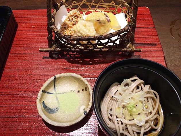 鹿沼こんにゃくと野菜の天ぷら