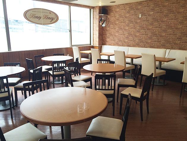 秋葉原のメイドカフェで日本酒が飲めちゃう!?メイドカフェHoneyHoney。