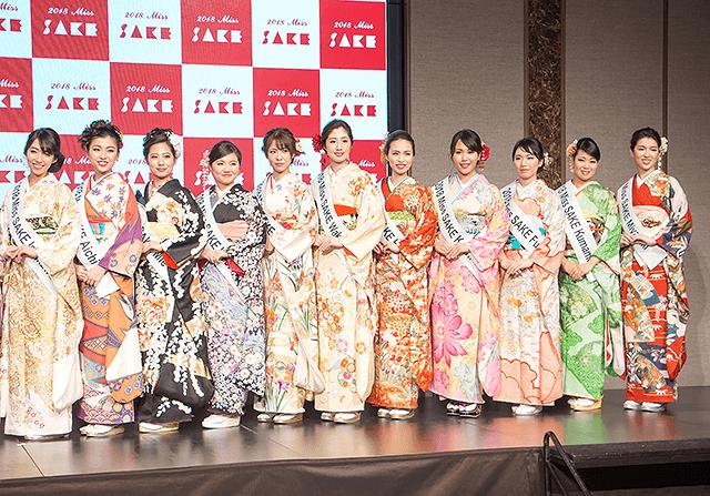 総勢22名が艶やかな着物姿で登場。広島代表の上田彩加さんは体調不良のため欠席でした