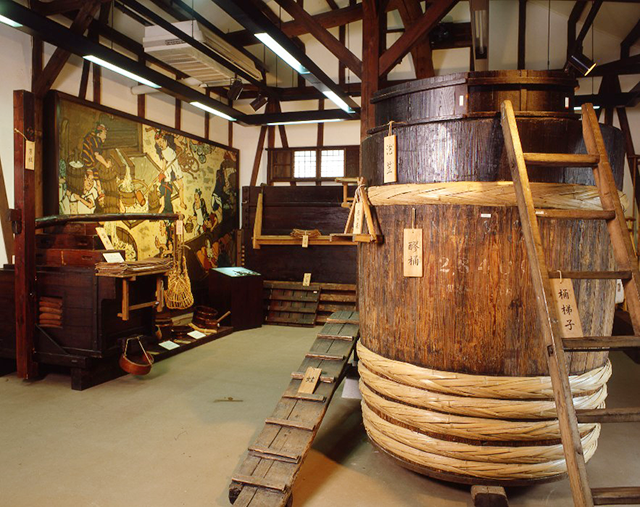 月桂冠大倉記念館内:醪(もろみ)桶(画像提供:月桂冠)