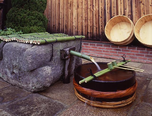 内蔵酒造場前の井戸(画像提供:月桂冠)
