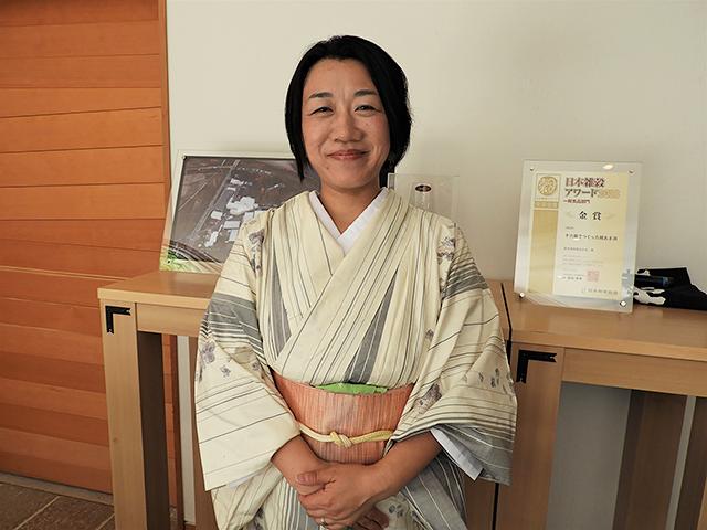 朗読するのはフリーアナウンサーでNHK文化センター新潟の朗読教室講師でもあります峯島百代さん